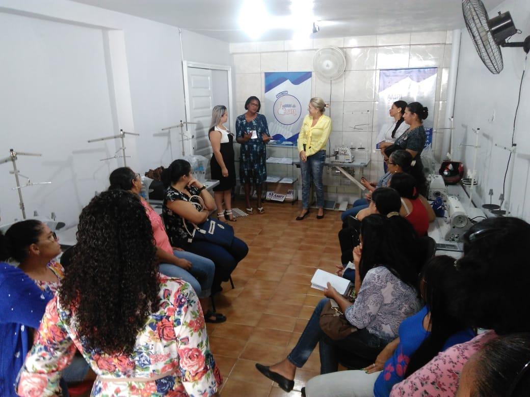 AMPI inicia curso de Corte e Costura e vai capacitar 300 mulheres palmeirenses