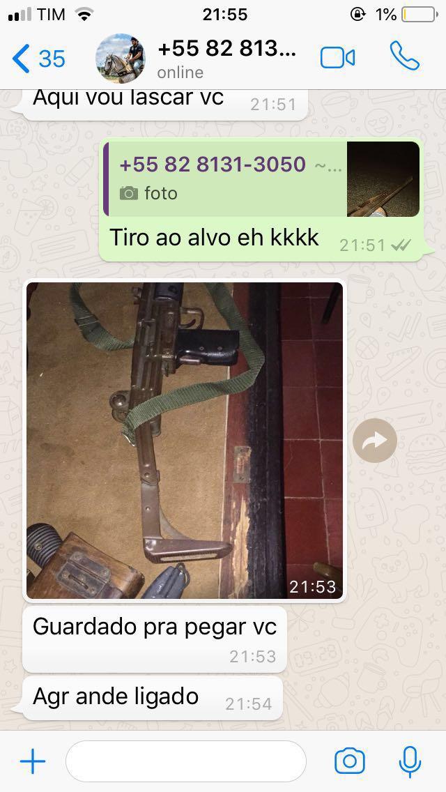 Assessor de deputado ameaça jovem e manda foto de fuzil pelo whatsapp