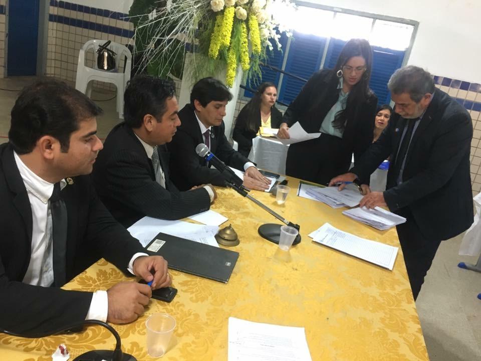 Presidente Júnior Miranda se reúne com seu sucessor para iniciar processo de transição na Câmara de Palmeira