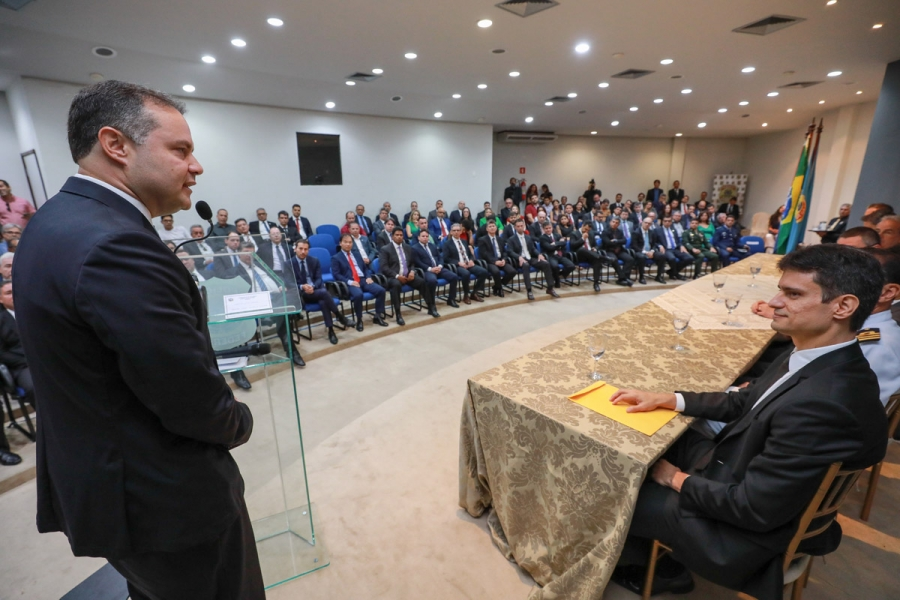 COOPERAÇÃO: Renan Filho destaca avanços da Segurança Pública em posse do superintendente da P