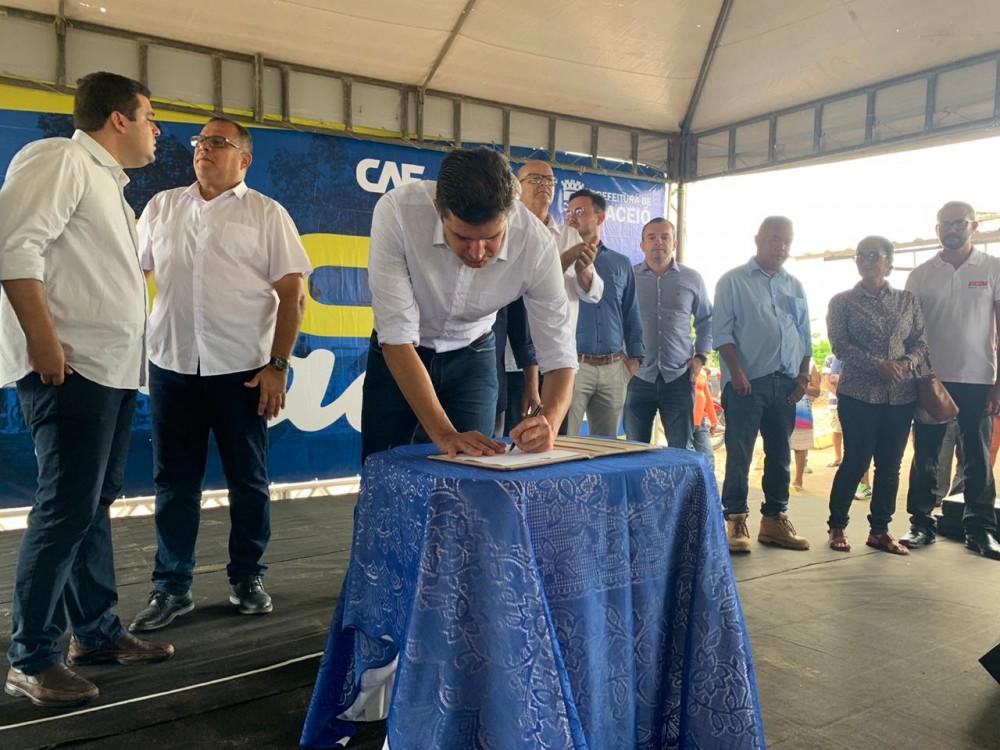 Vereadores participam de solenidade para início das obras de infraestrutura na região do Aeroclube
