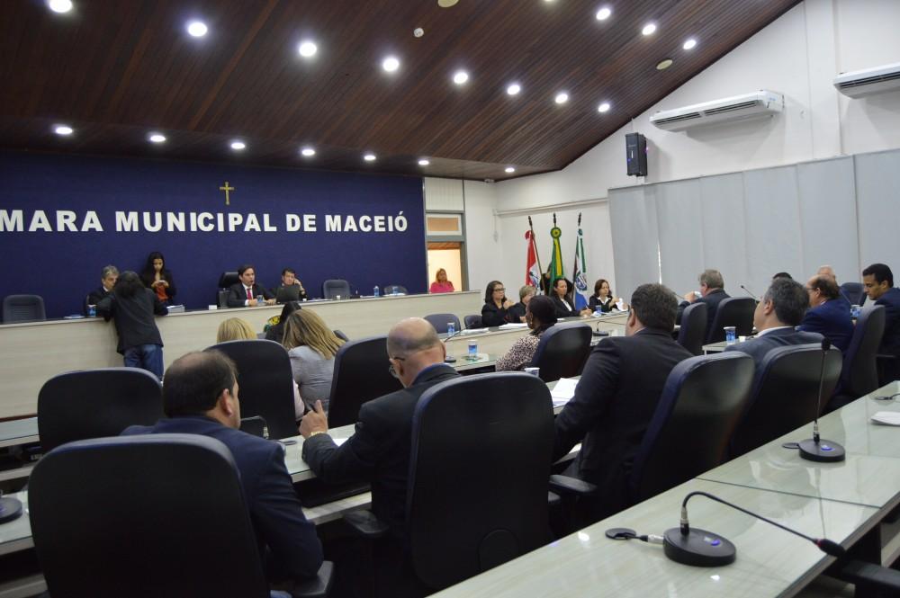 Após recesso, Câmara retoma atividades em Plenário nesta terça-feira (18)