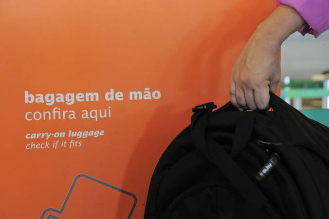EXPLORAÇÃO: Rodrigo Cunha cobra da Anac manifestação contra cobrança de bagagem de mão