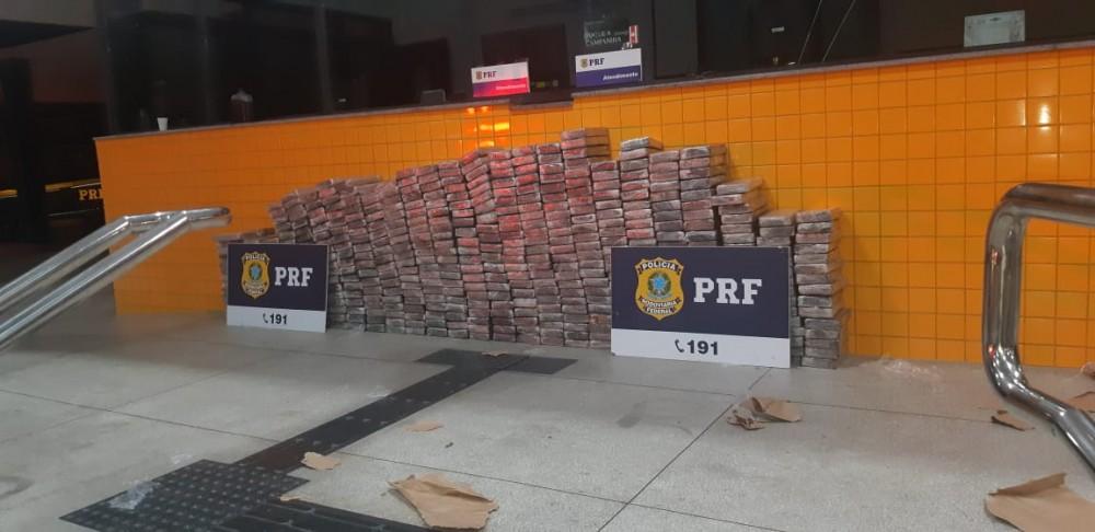 DROGAS – PRF apreende mais de meia tonelada de cocaína no Sertão de Alagoas
