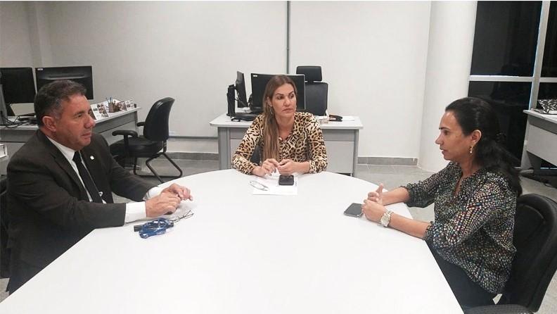 MPE/AL – Procurador-geral de Justiça em exercício se reúne com promotoras sobre implantação do FRIDA