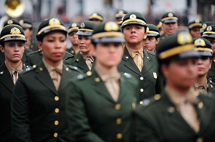 GIRL POWER! Permissão para que mulheres prestem serviço militar depende do Senado