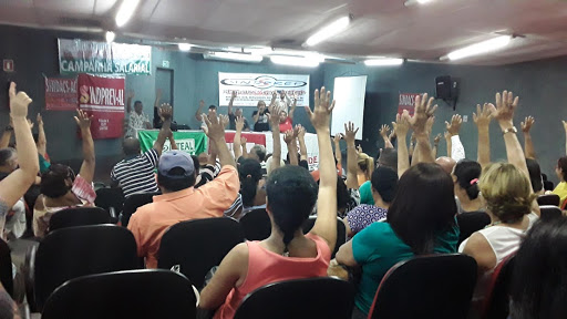 GREVE? – Servidores públicos municipais de Maceió realizam protesto nesta terça-feira