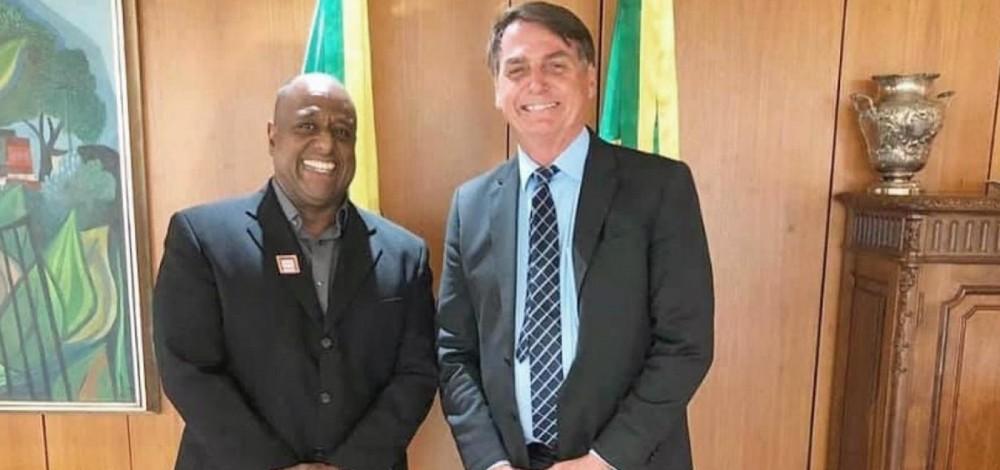 TUDO EM FAMÍLIA? Padrinho de casamento de Flávio Bolsonaro, Marcelo Magalhães vai assumir secretaria de esportes do governo