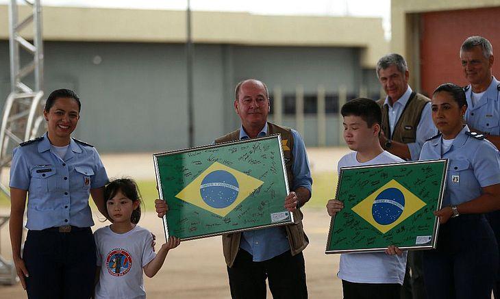 CORONAVÍRUS! Brasileiros deixam quarentena na Base Aérea de Anápolis
