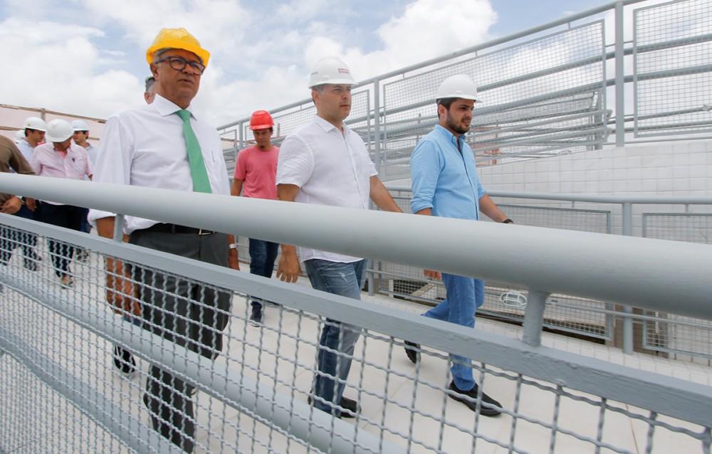 OBRAS AVANÇANDO! Governador inspeciona construção do Viaduto da PRF e do Hospital Metropolitano