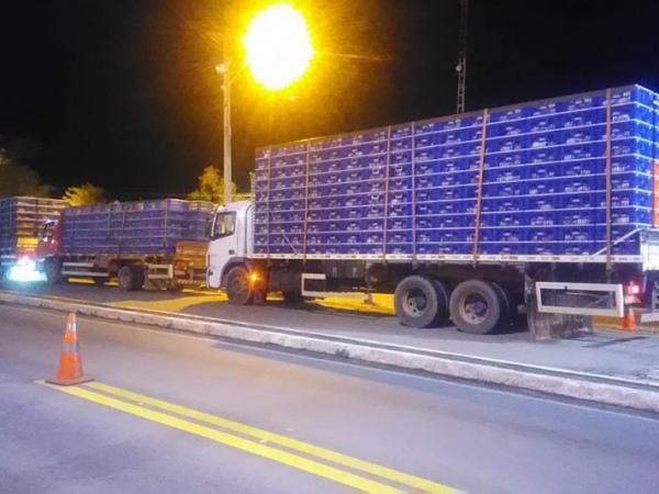 PEGOS NO FLAGRA! – PRF autua transporte clandestino de frangos em trecho da AL-110