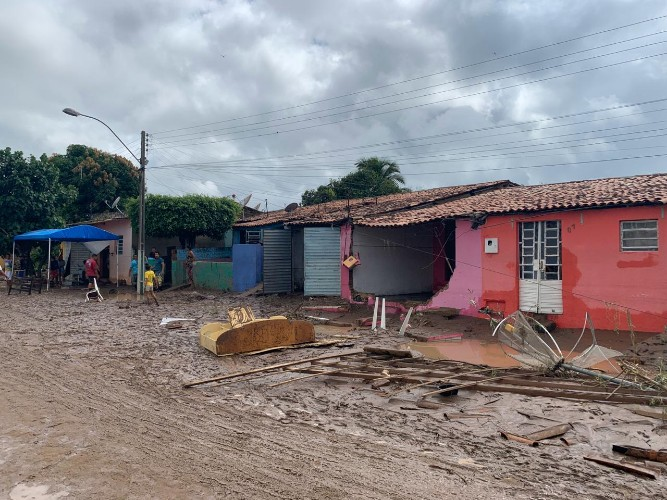 CAOS – Chuvas deixam dezenas de desabrigados em Santana do Ipanema