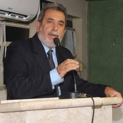 Vereador descarta candidatura a vice e garante reeleição em Palmeira