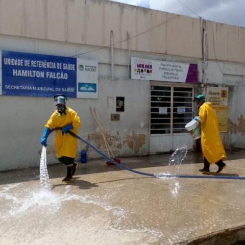 CORONAVÍRUS – Espaços públicos passam por processo de desinfecção