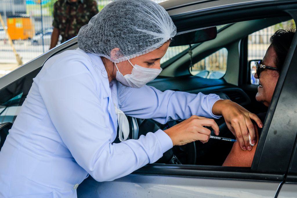 INFLUENZA – Shopping Pátio recebe vacinação drive-thru nesta sexta-feira (27)