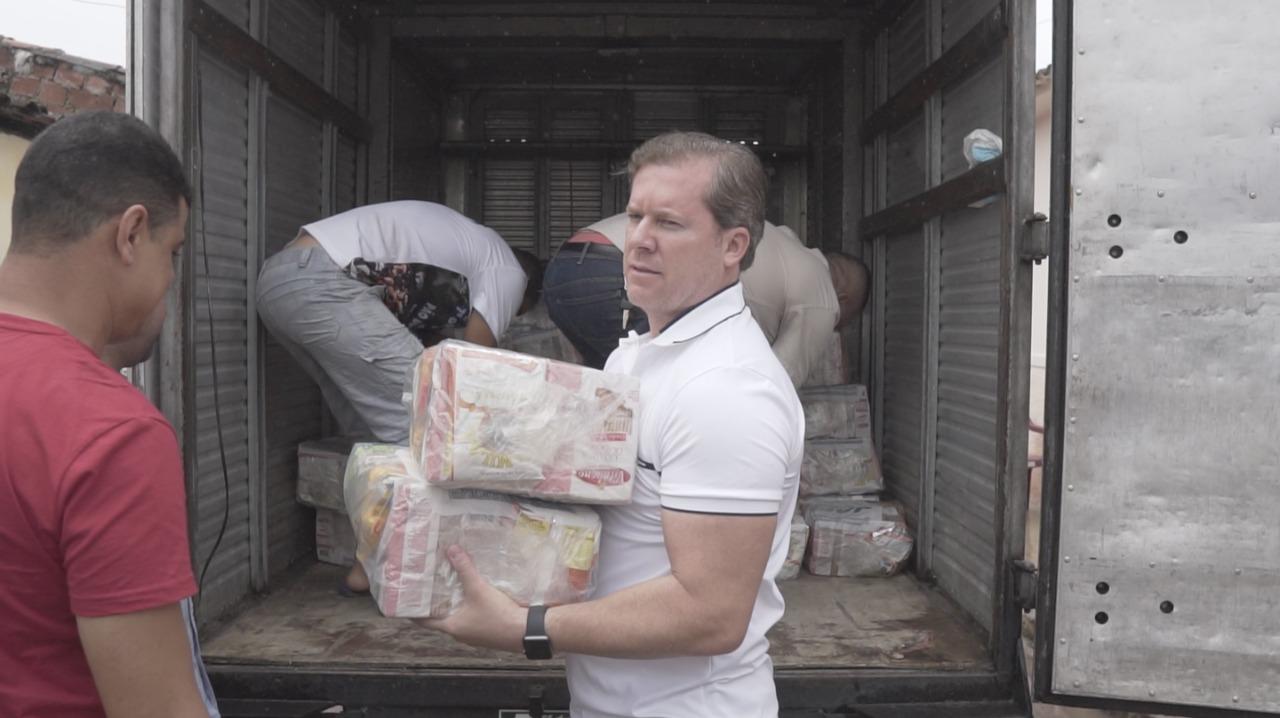 ENCHENTE: Marx Beltrão doa 2 mil quilos de alimentos à população de Santana do Ipanema