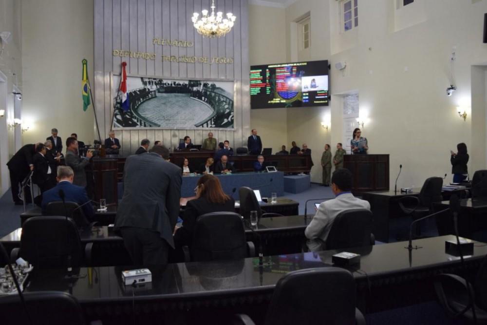 ASSEMBLEIA LEGISLATIVA – Em Nota, Legislativo aponta o caminho da formulação de lei para fixação de subsídios e criação de órgãos colegiados