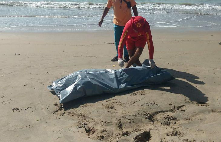 BOMBEIROS – Corpo de pescador é encontrado no mar de Maragogi