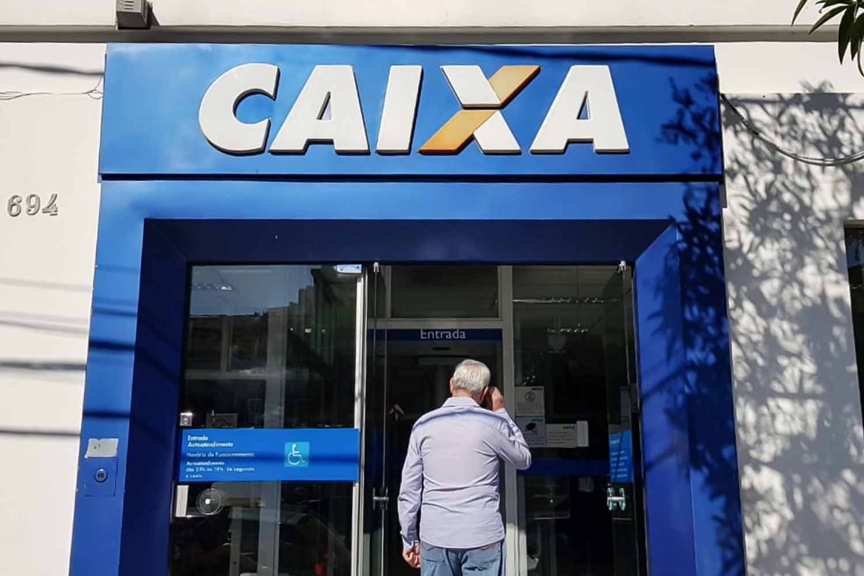 """PODE PAGAR DEPOIS? Caixa Econômica reduz juros e autoriza uma """"pausa"""" no pagamento de dívidas"""