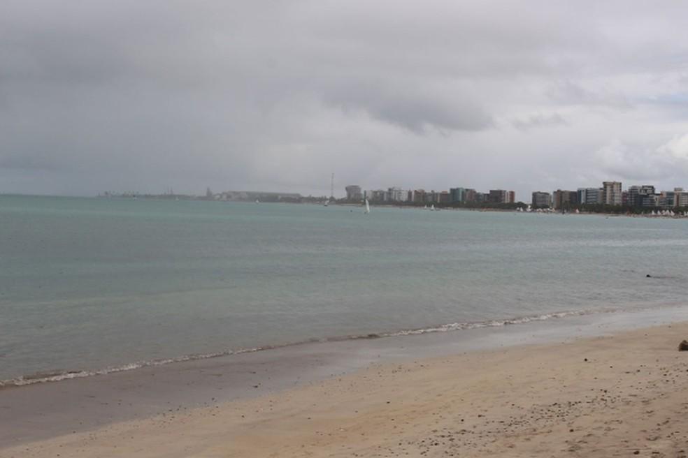 TEMPO FECHADO – Semarh anuncia fim de semana de chuva em Alagoas