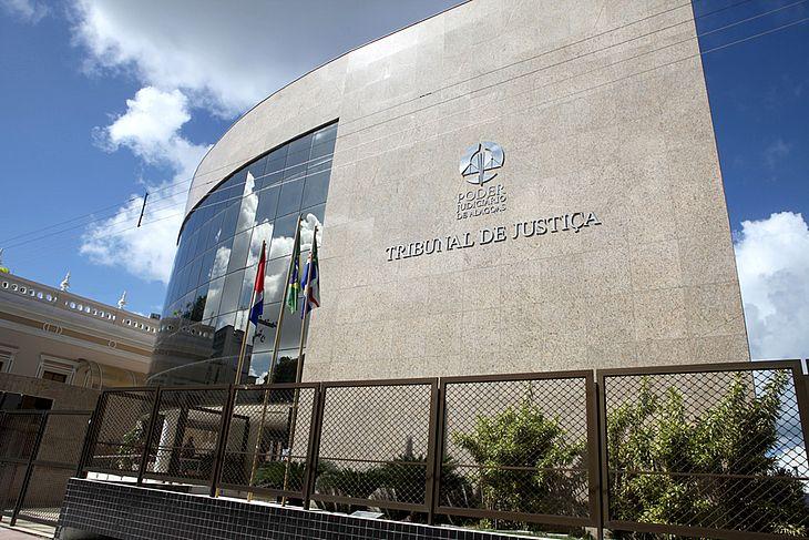 CORTAR GASTOS – TJ/AL suspende nomeações e contratações de terceirizados