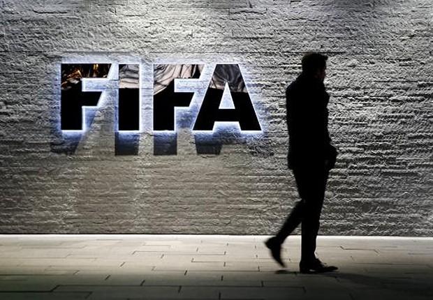 MUDANÇA NAS REGRAS – Fifa planeja alterar limite de idade do futebol