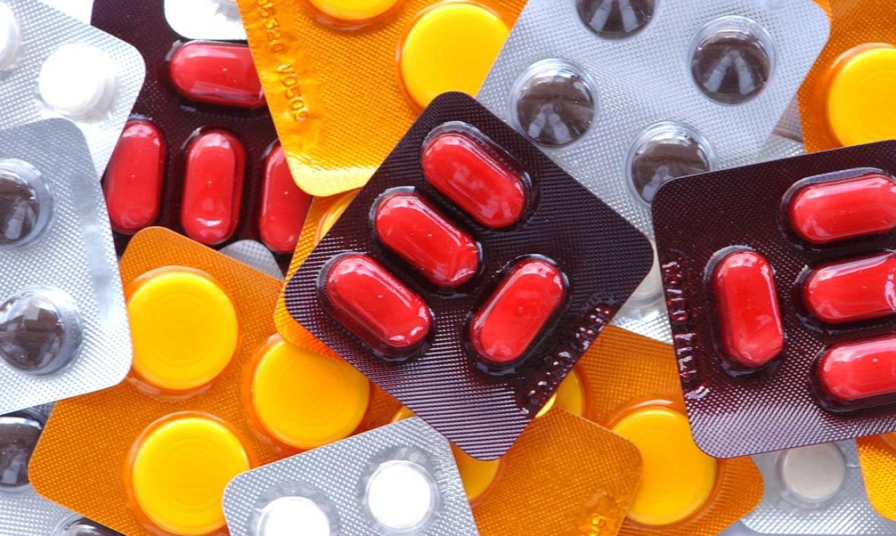 E AGORA? QUEM TA CERTO? OMS diz que não tem recomendação contra ibuprofeno