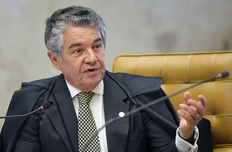 """CONDUTA IRRESPONSÁVEL E TENEBROSA"" – Supremo manda PGR analisar denúncia contra Bolsonaro"