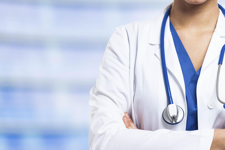 CASO DE JUSTIÇA – Sindicato busca afastar médicos idosos no combate à pandemia