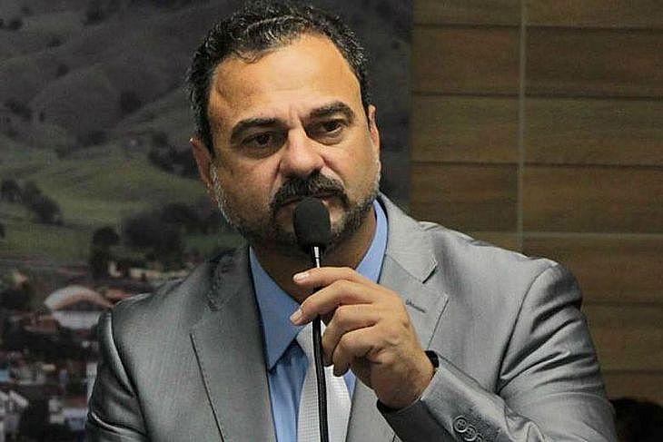 FORAGIDO! – Após romper tornozeleira, prefeito de Maribondo tem paradeiro desconhecido