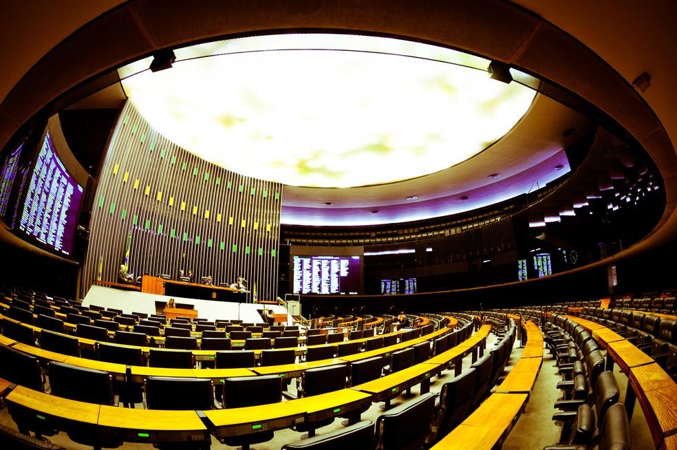 CORTES NA POLÍTICA – Partidos articulam redução de salário de servidores e parlamentares