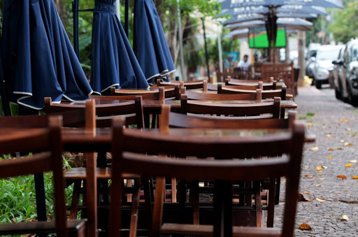 PANDEMIA – Bares e restaurantes esperam que governo anuncie socorro