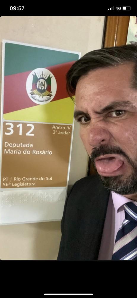 """"""" Péssimo exemplo para a política e para a sociedade"""", diz deputado sobre Leonardo Dias"""